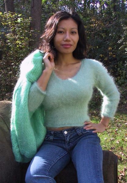 301 001 Woman S Angora Sweater